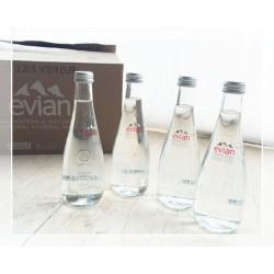法国Evian依云正品 纯天然矿泉水健康 330ml*24支 玻璃瓶 可批发