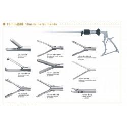 腹腔镜器械:取石钳、胆囊抓钳、腹腔抓钳、肺叶钳、分离钳、剪刀